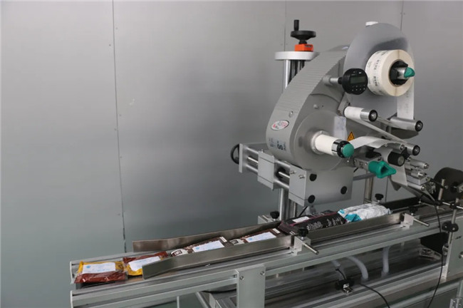 Automatic Sticker Doypack Box Carton Cup Top Surface Labeling Machine